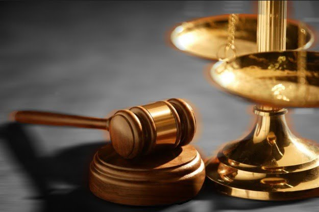 klage gericht law lawsuit